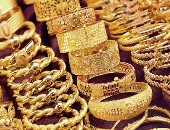 Gold prices drop 6 pounds .. And 21 carat records 692 pounds per gram