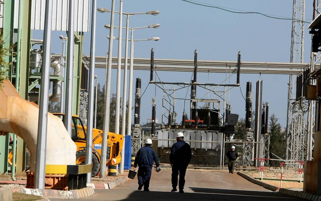 Egypt renews licenses for the production and distribution of electric power to 10 companies