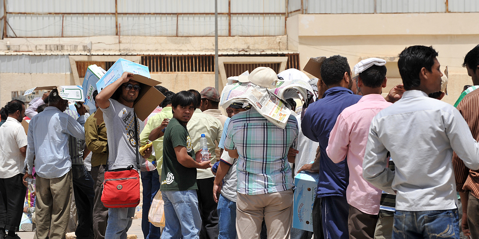 Al-Shall: The wages of Kuwaitis and foreigners in the government sector far exceed the private sector