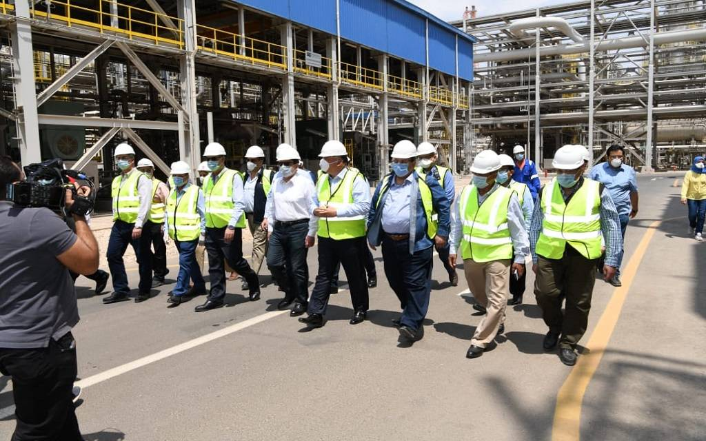 With a capacity of 4.7 million tons, the Minister of Petroleum inspects the operation of the Egyptian Refining Complex
