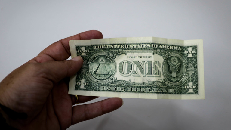 IMF: Dollar is above its real value